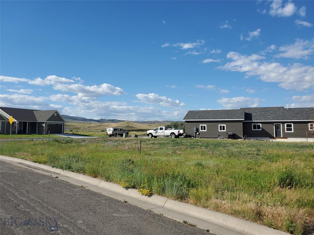 1102  Fort Mandan Drive, Livingston, MT 59047