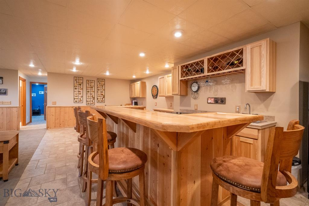 260  Wineglass Road, Livingston, MT 59047