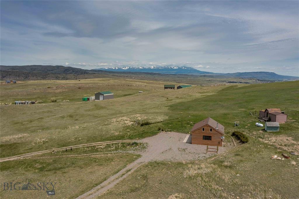 59  Wineglass Loop W, Livingston, MT 59047