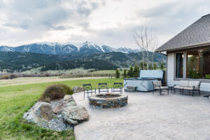 7007 Jackson Creek Road - Patio
