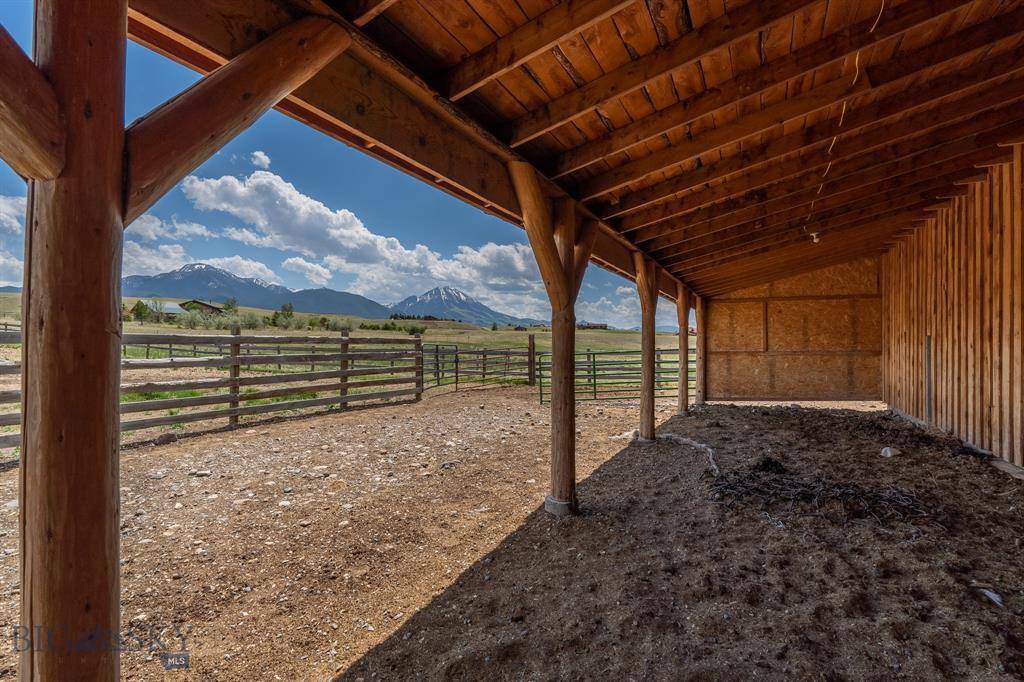 56  Yellowstone Trail, Livingston, MT 59047