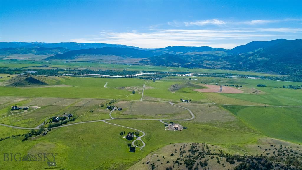 56  Suce Creek Road, Livingston, MT 59047